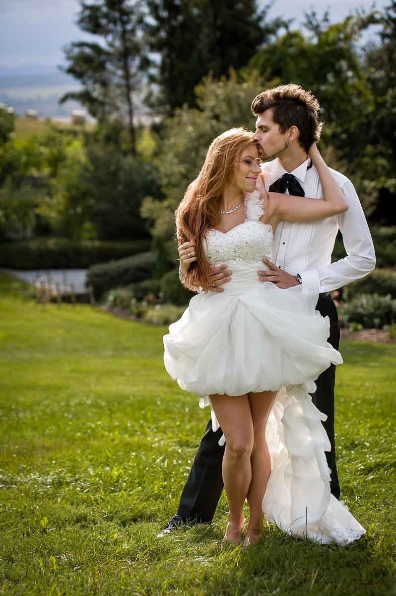 krótka suknia ślubna z długim trenem śląsk małopolska