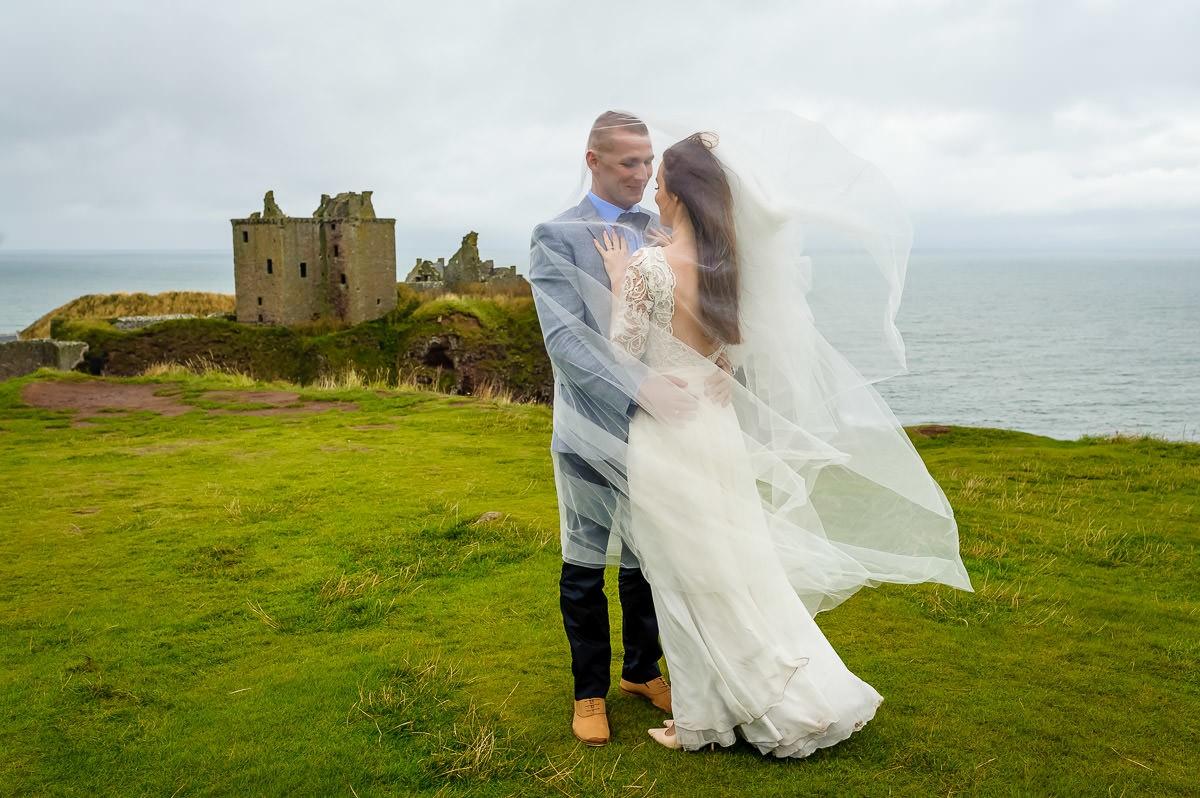 długi welon do sukni ślubnej