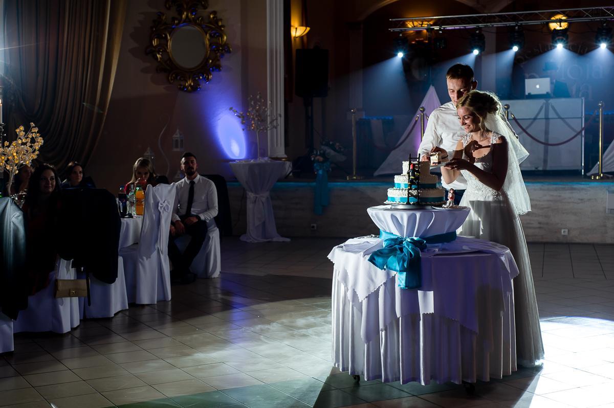 krojenie toru weselnego
