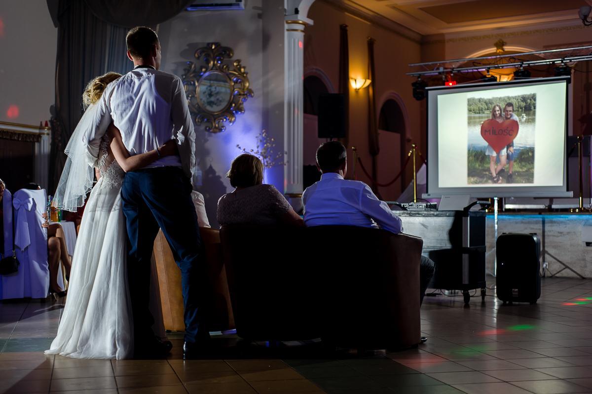 pokaz slajdów na weselu