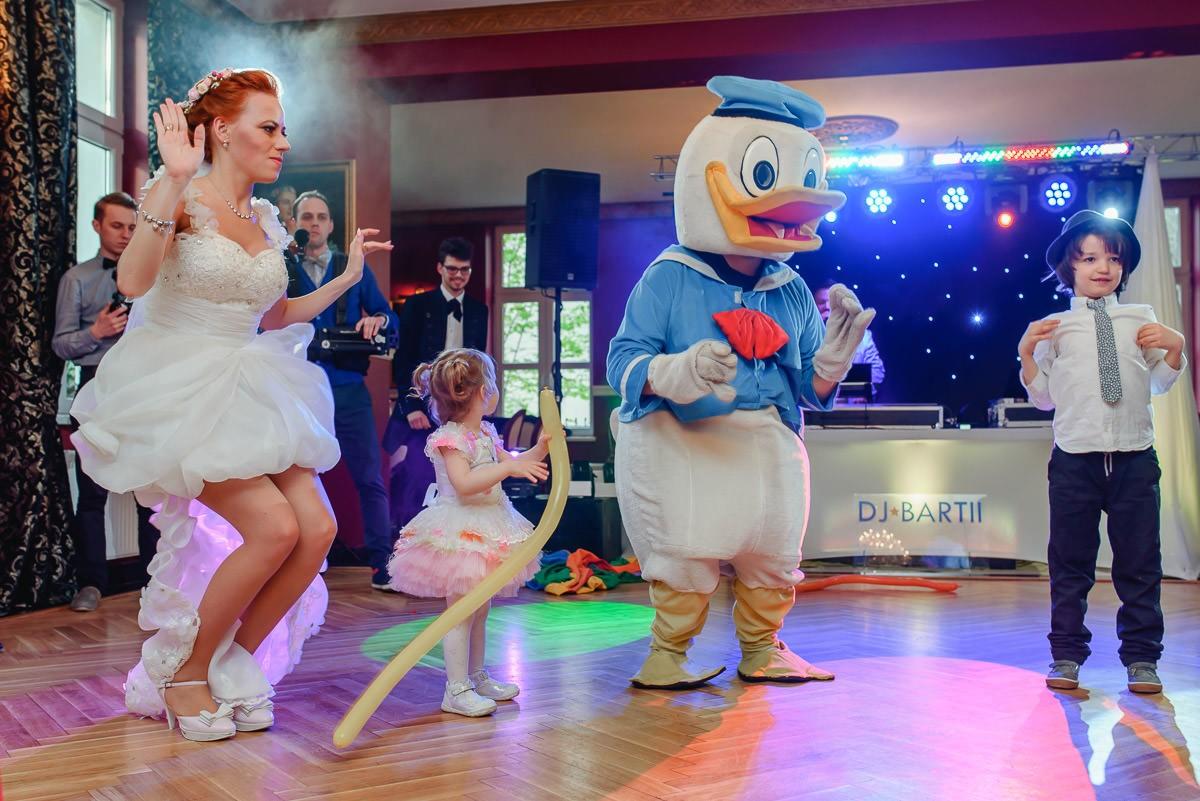 kaczor Donald na wesele