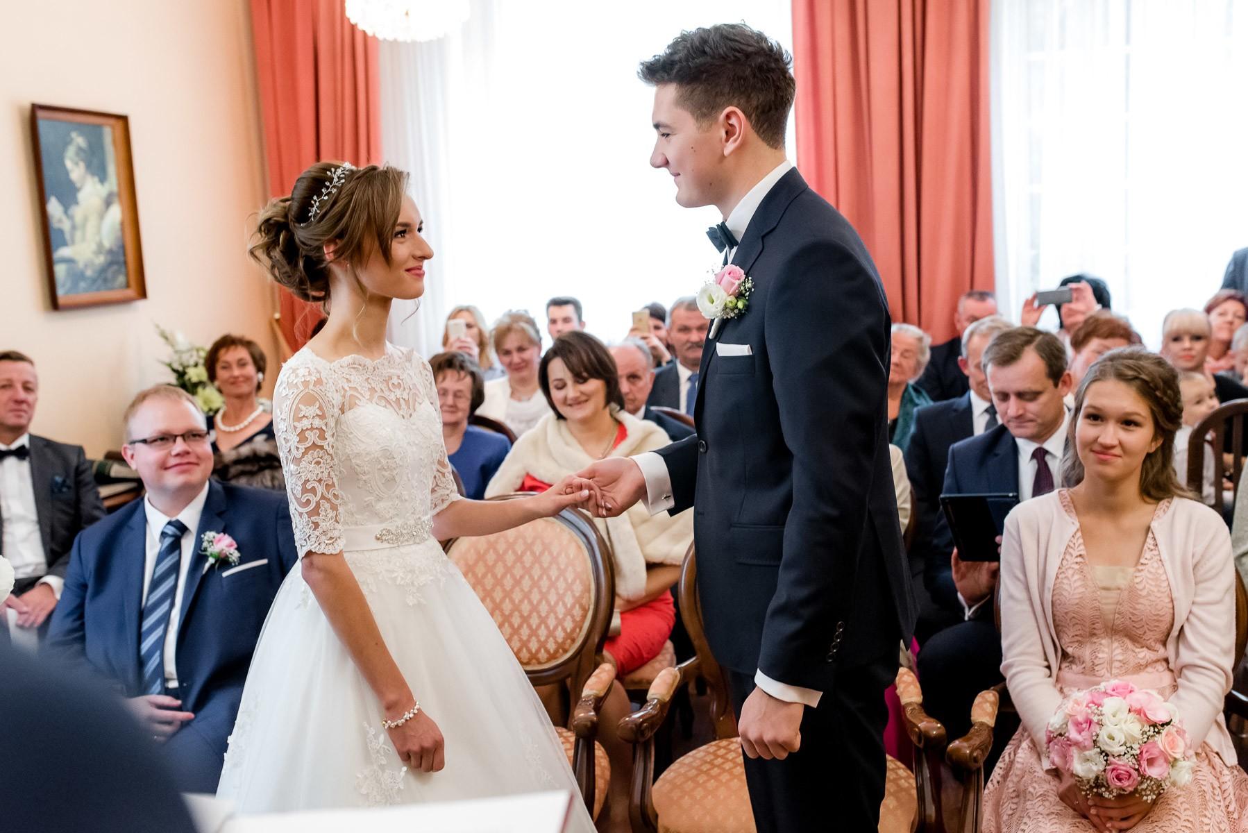 sala na skarpie fotograf slubny slask malopolska adam pietrusiak plener slubny w gorach jw wedding 111