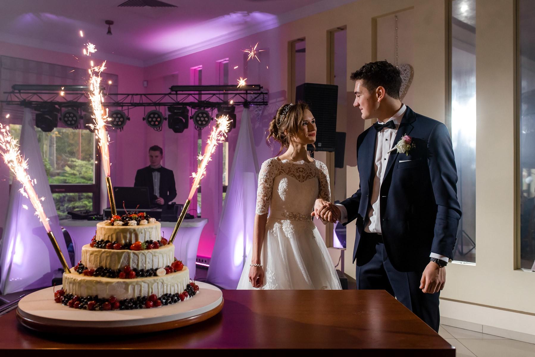 sala na skarpie fotograf slubny slask malopolska adam pietrusiak plener slubny w gorach jw wedding 130