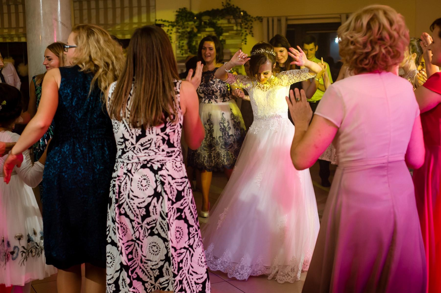 sala na skarpie fotograf slubny slask malopolska adam pietrusiak plener slubny w gorach jw wedding 142