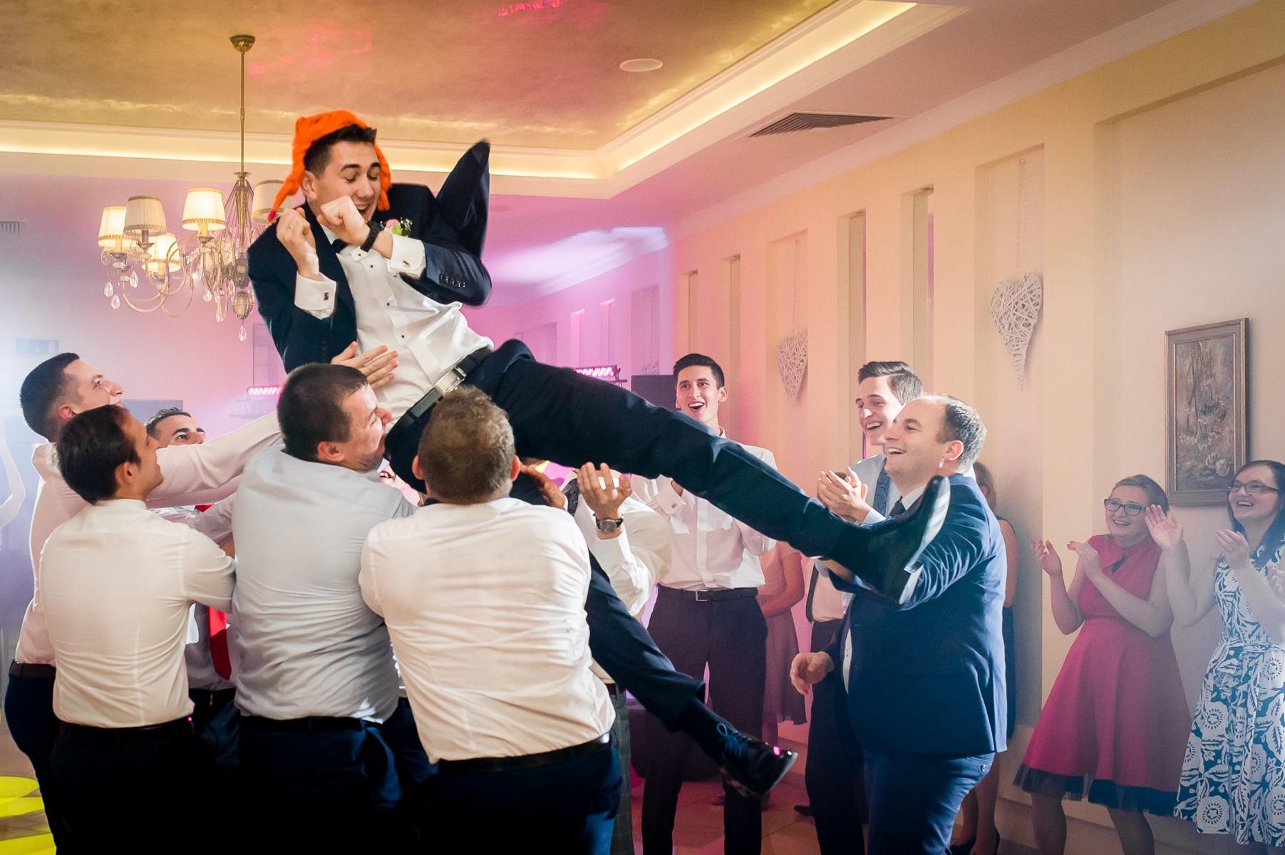 sala na skarpie fotograf slubny slask malopolska adam pietrusiak plener slubny w gorach jw wedding 143