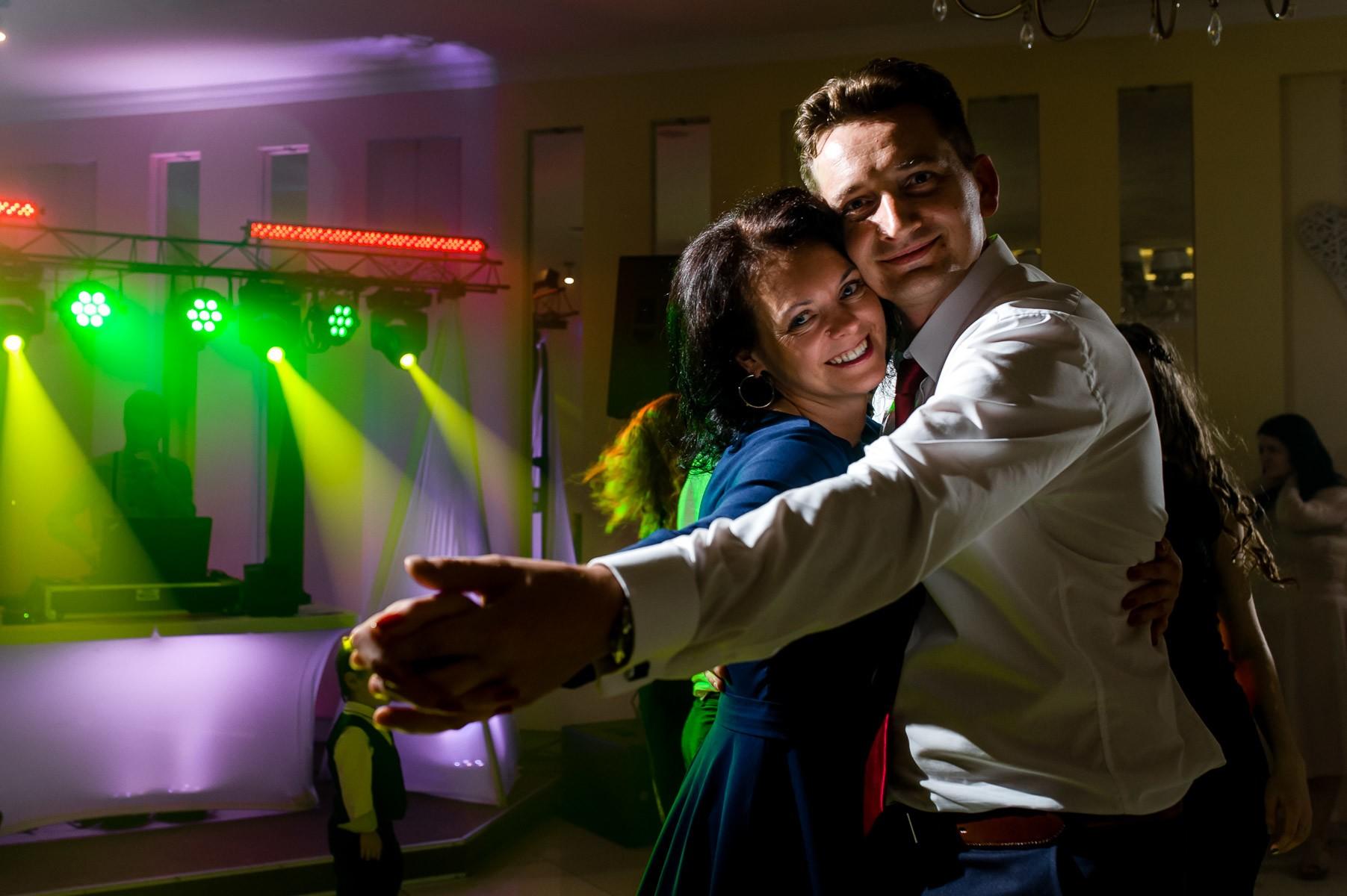 sala na skarpie fotograf slubny slask malopolska adam pietrusiak plener slubny w gorach jw wedding 155