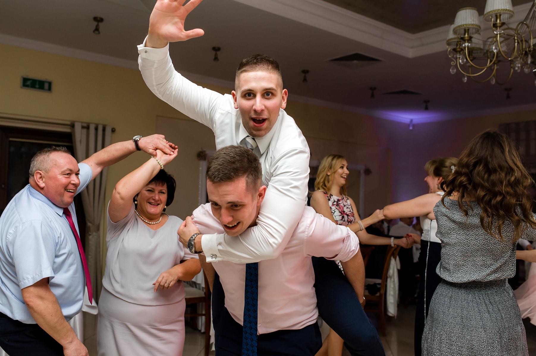sala na skarpie fotograf slubny slask malopolska adam pietrusiak plener slubny w gorach jw wedding 160