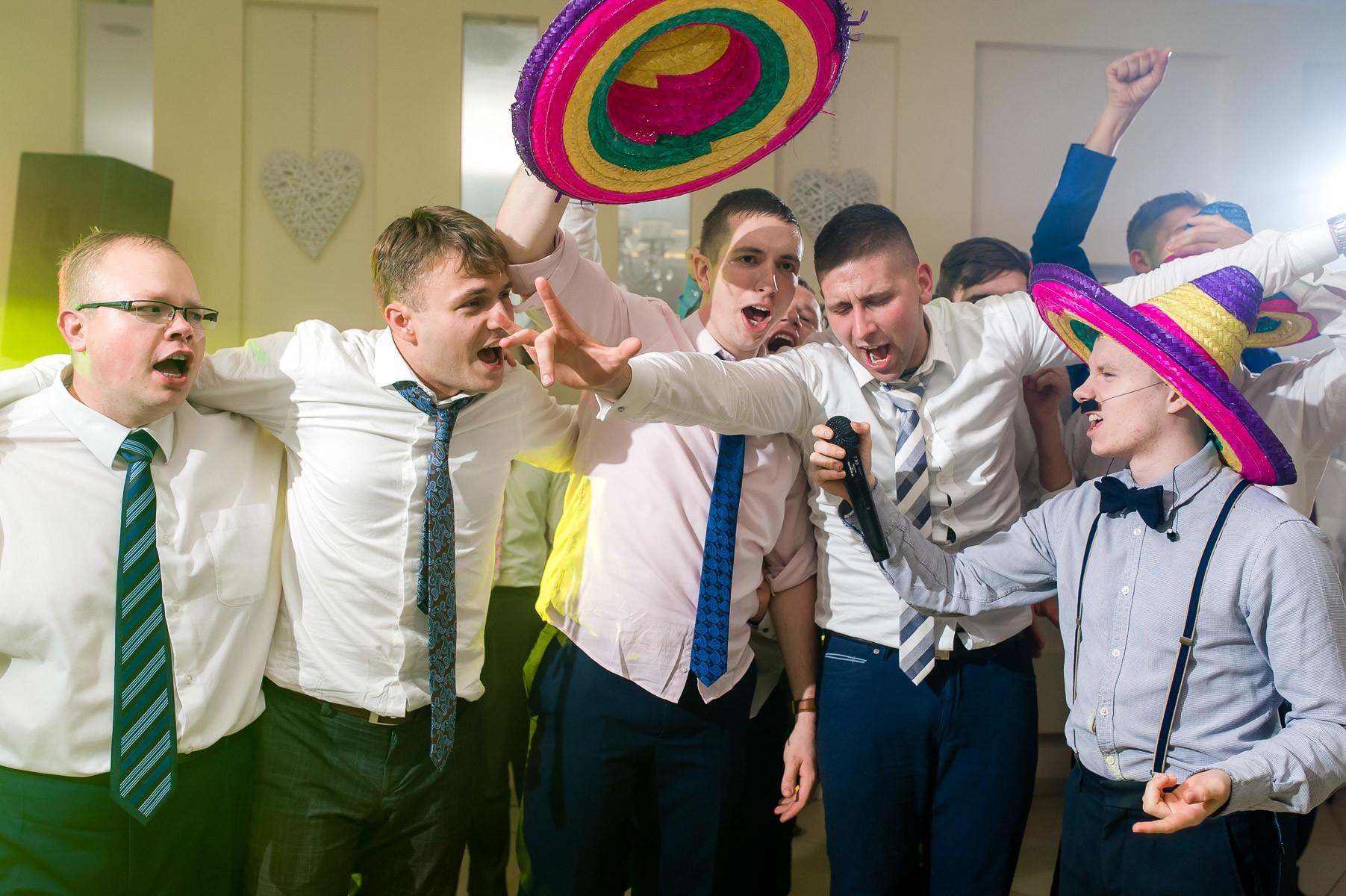 sala na skarpie fotograf slubny slask malopolska adam pietrusiak plener slubny w gorach jw wedding 170
