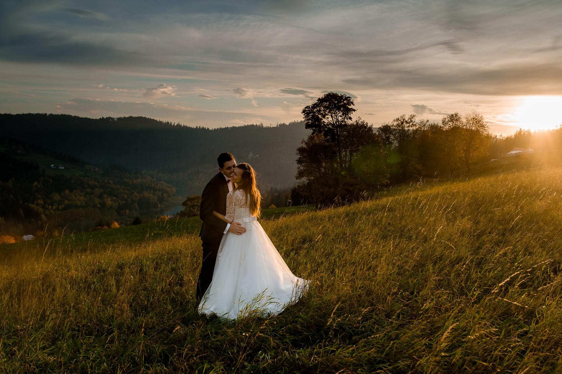 sala na skarpie fotograf slubny slask malopolska adam pietrusiak plener slubny w gorach jw wedding 199