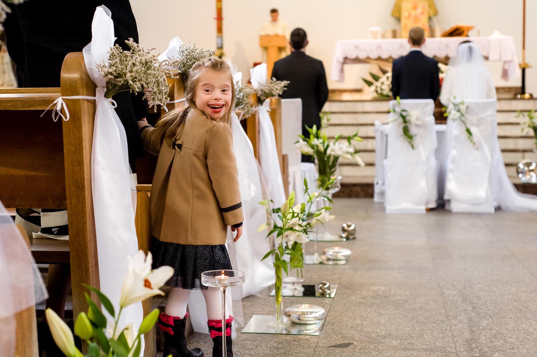 dziecko na ślubie