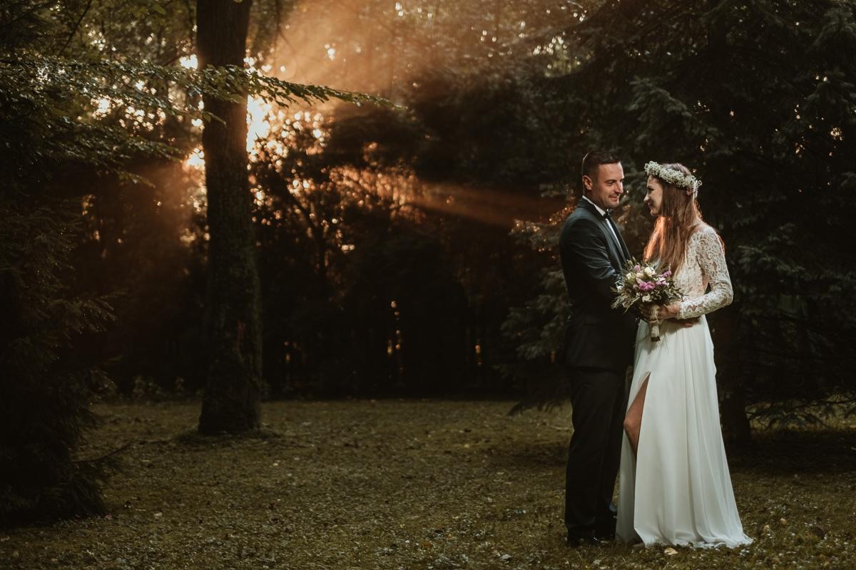 sesja ślubna styl rustykalny