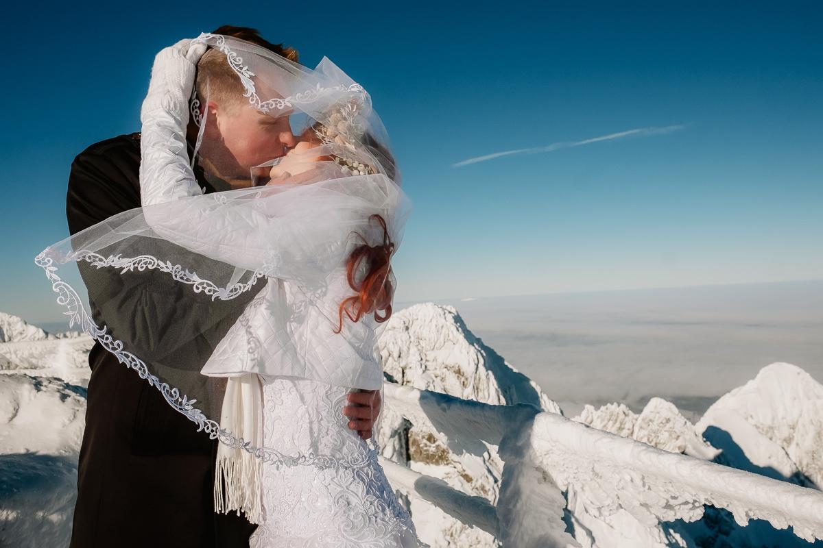 lub wesele sesja ślubna zimą w górach fotogenesis 193